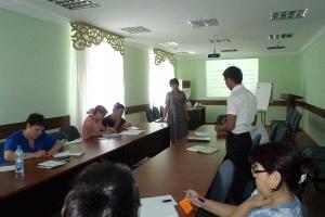 Разработка специальных учебно-воспитательных программ и организация учебных занятий для социально уязвимых детей, молодежи и их родителей